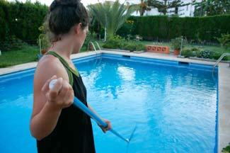 Don't clean it yourself when you can benefit from the expertise of a professional for a sparkling pool.
